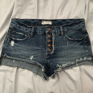 FREE PEOPLE DENIM SHORTS **OFFER**✨